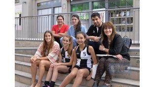 Florencia Mutio junto a jugadoras