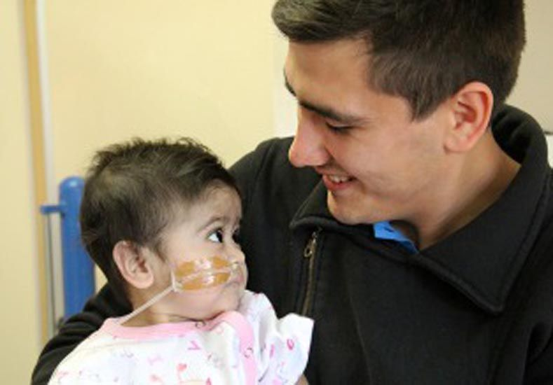 Una beba de ocho meses recibió el trasplante hepático número 700 del Garrahan