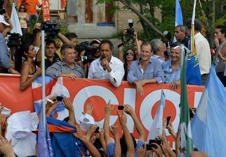 El gobernador aprovechó la oportunidad para saludar a la militancia del FPV