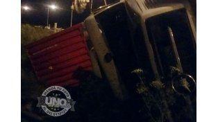 Volcó un camión en el acceso a Chajarí