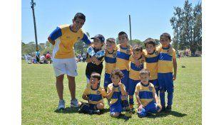 La Escuela Azul y Oro presentó la categoría 2009 en la cita de ayer.