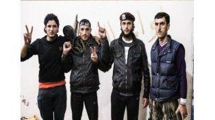 Un yihadista estaba grabando una amenaza y le cayó una bomba encima