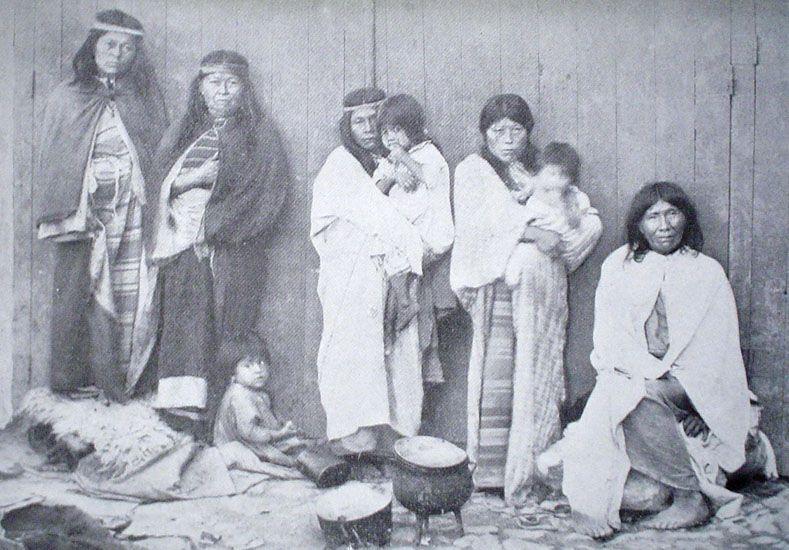 La familia prisionera en el sótano del museo.