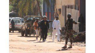 Al menos 18 muertos en una toma de rehenes en Mali
