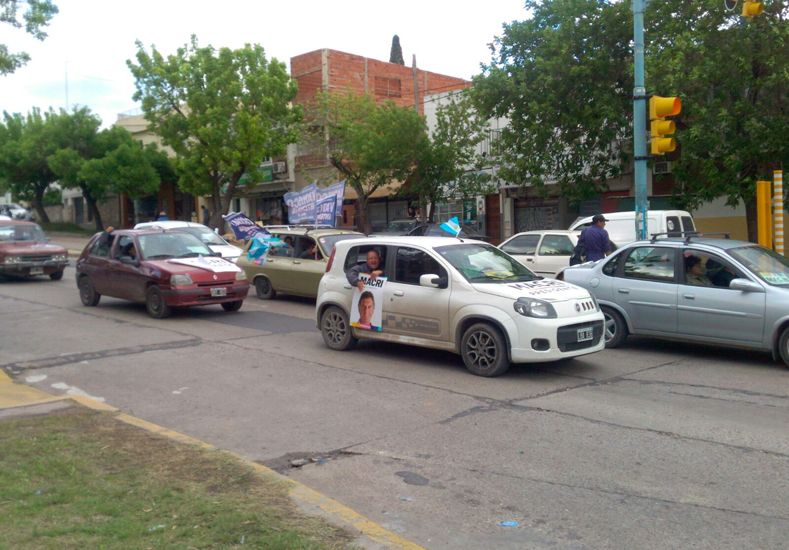 Varisco hizo una caravana de apoyo a Macri