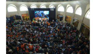 Cientos de simpatizantes participaron del acto en Mar del Plata. (Foto: Twitter)