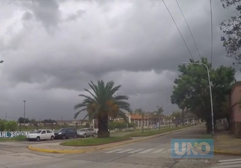 Paró la lluvia en Paraná pero continúa el alerta