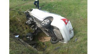 Perdió el control del auto y murió tras volcar