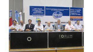 Cumbre de empresarios hoteleros y gastronómicos en Concordia