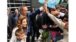 De vuelta. Scioli le agradeció su apoyo al pueblo santiagueño.