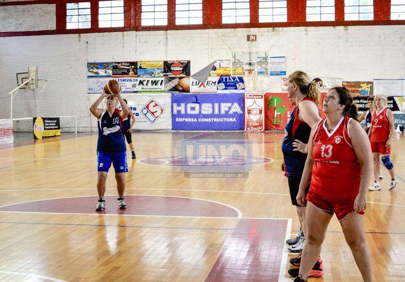 Las chicas se dieron el gusto de jugar en Paraná.