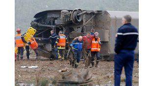 Al menos cinco muertos y siete heridos al descarrilar un tren de alta velocidad en Francia