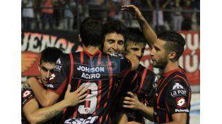 Patronato venció a Atlético Paraná y se quedó con los clásicos de la temporada