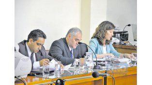 Acusadores. Los querellantes Miguel Retamoso y Miguel Cullen junto a la fiscal Cecilia Goyeneche.