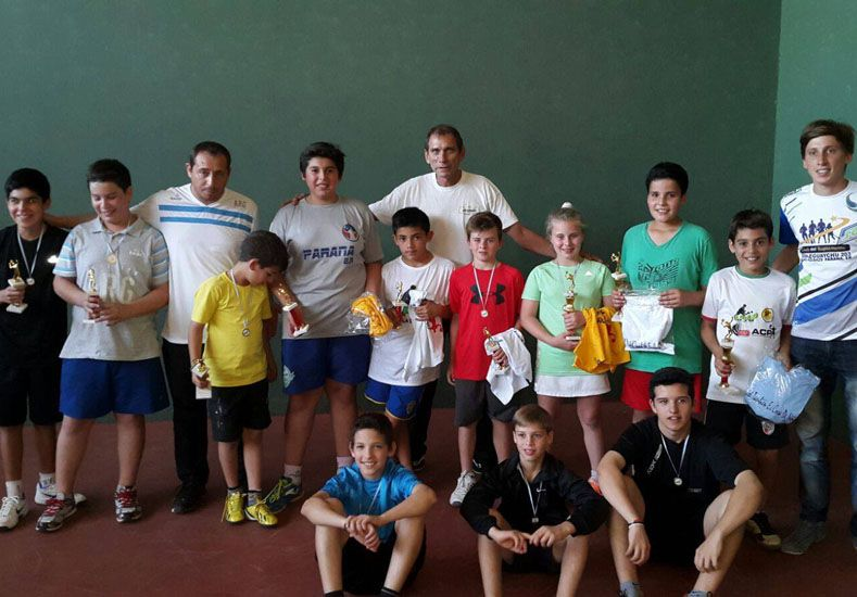 Los chicos de la Asociación Paranaense siguen en los primeros planos del padel entrerriano.