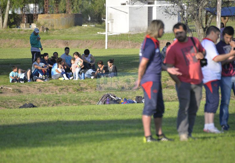 El coordinador. Víctor Cabral es el responsable del centro de formación de jugadores. El 10 llegan desde Buenos Aires.  Foto UNO/Mateo Oviedo