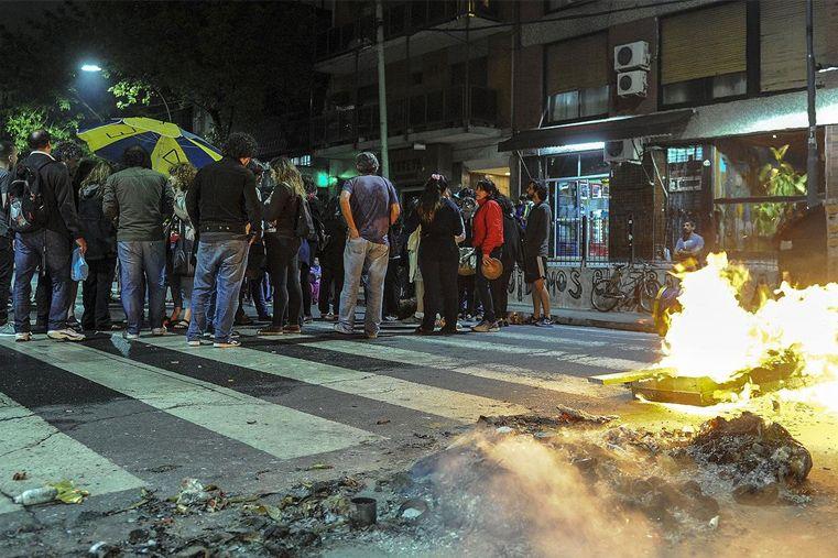 Vecinos aseguran que el joven baleado por la Metropolitana no estaba armado