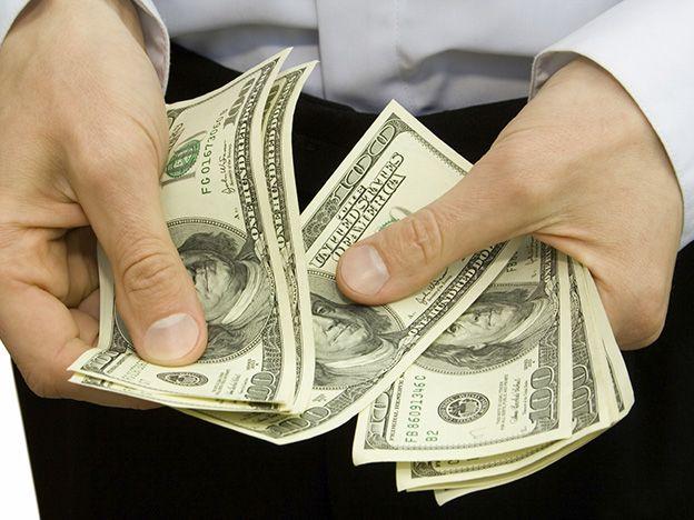 El dólar blue, en el sube y baja: llegó a 14,57 pesos tras el descenso inicial