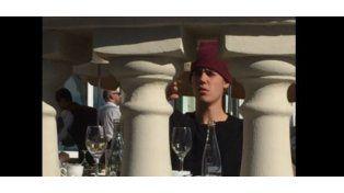 Justin Bieber se calentó y tiró una silla al suelo en un restaurante