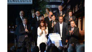Cristina nos deja un país reconstruido, en marcha y con trabajo