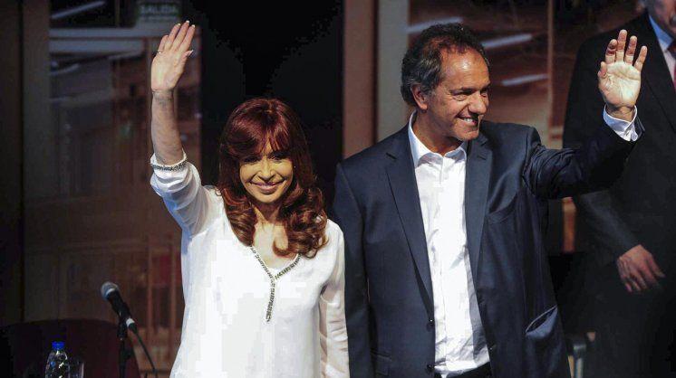 Cristina y Scioli se mostraron juntos por primera vez en el último acto oficial antes del balotaje