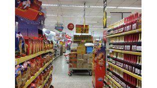 Oferta anticipada. Falta más de un mes y medio para Navidad y ya se ofrecen productos alusivos.