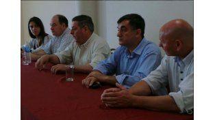 Los dirigentes de Villaguay con De Ángeli. Foto: @ayeacosta