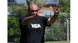 Su labor. Emiliano Bergamaschi hizo foco en los entrenamientos de scrum en la previa y durante el Mundial de Inglaterra.