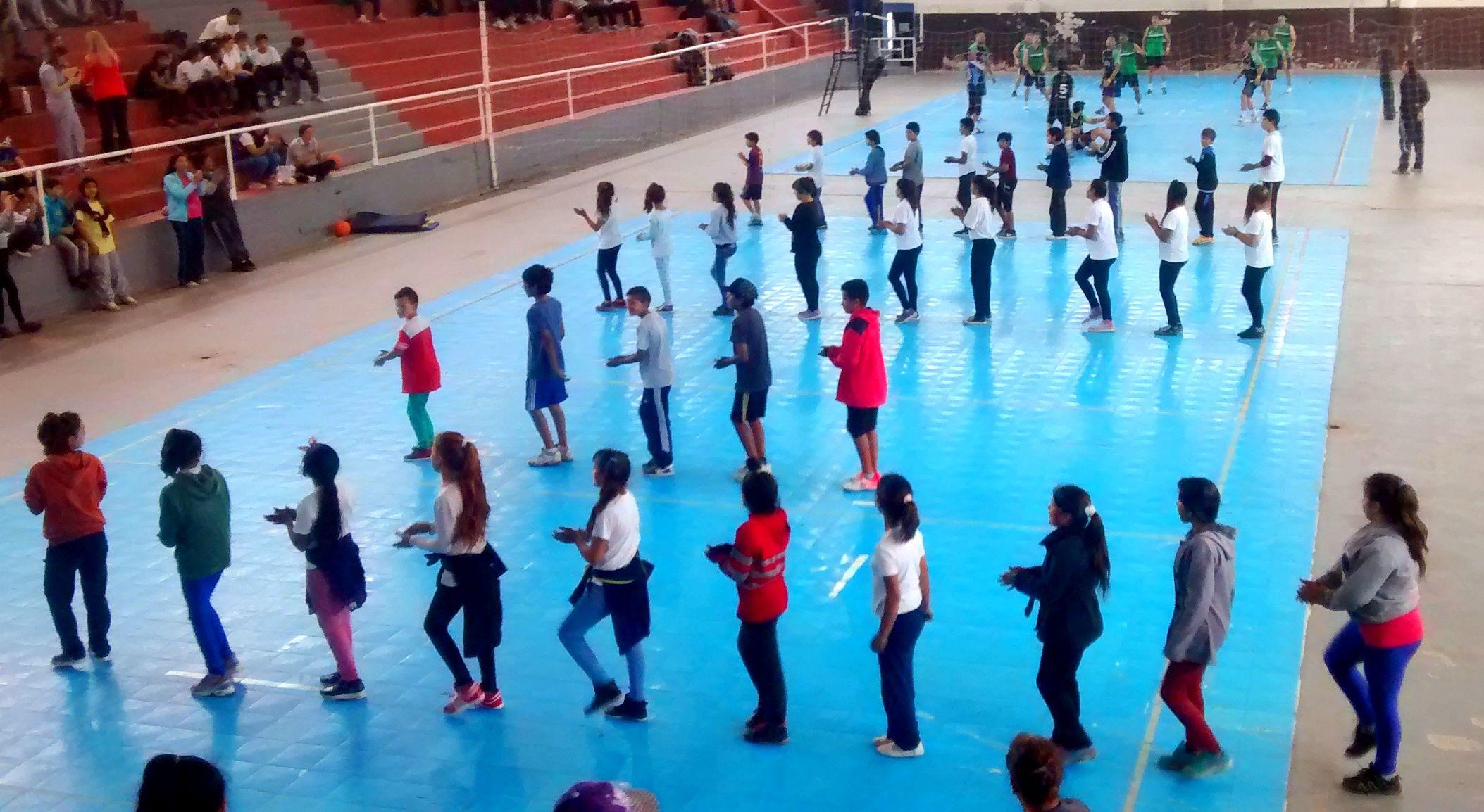 Cientos de alumnos disfrutaron del Día de la Educación Física en el Parque Berduc