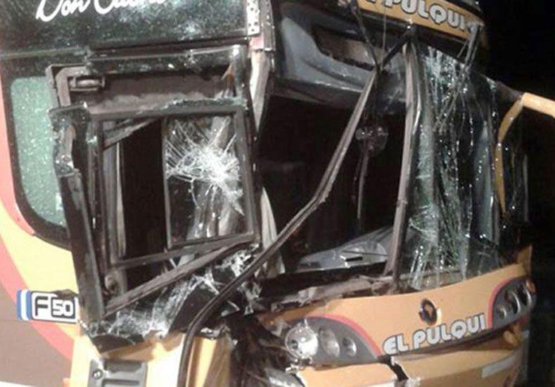 Un colectivo chocó de atrás a un camión. Foto: El Entre Ríos
