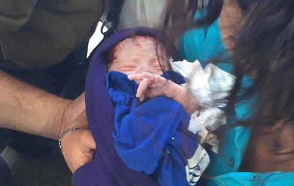 Detuvieron a la pareja que abandonó a la beba en el baño de una estación de servicio en Mataderos.