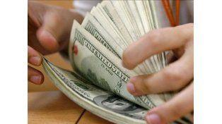 Venta récord del dólar ahorro y cotización en baja del blue