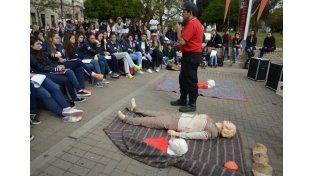 Proyecto. Estudiantes se capacitaron en primeros auxilios.