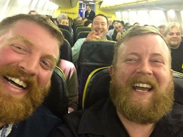 Encontró a su doble en un vuelo