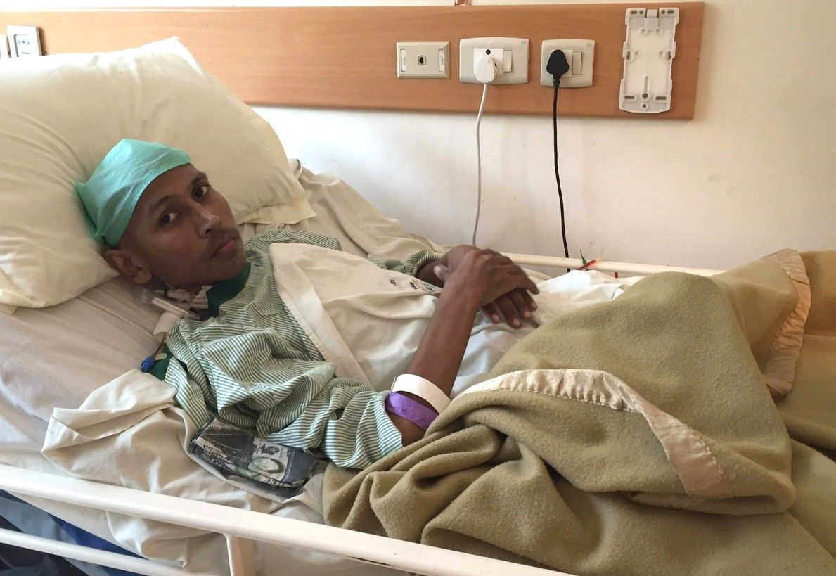 Le extrajeron un tumor de 55 kilos que tenía en su pierna