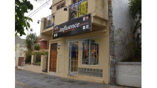 Golpe. Los dueños del comercio aseguran que saldrán adelante.   Foto UNO/Mateo Oviedo
