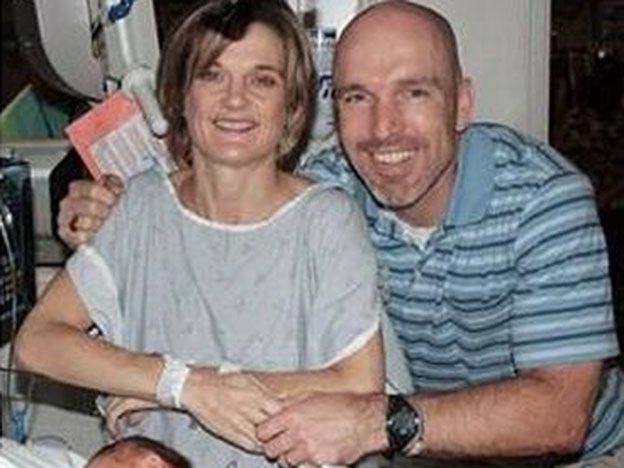 Nació dos veces para salvarse de un tumor