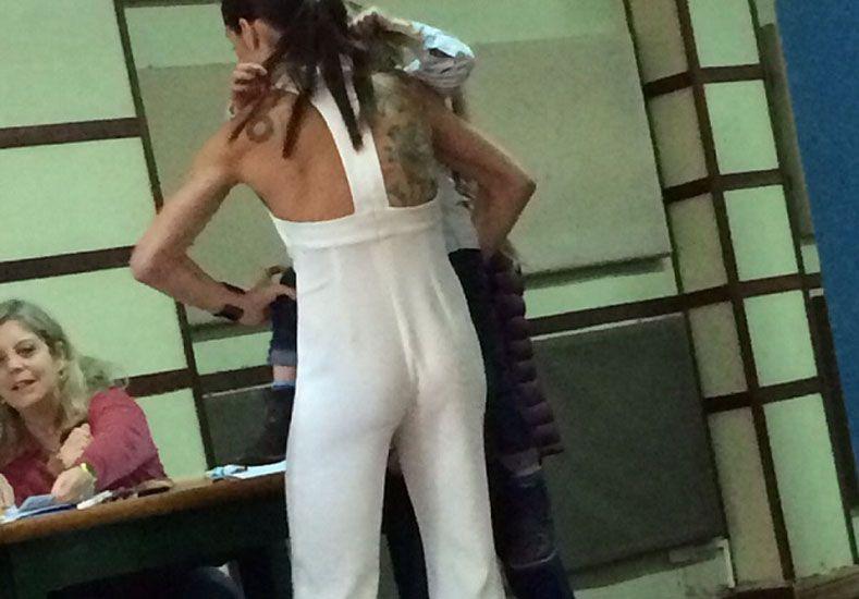 Juanita Viale fue a votar con un estilo bastante particular