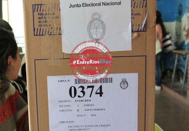 Sellos y escudos /Juan Ignacio Pereira