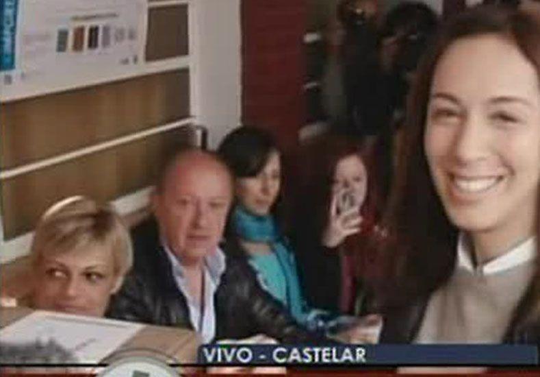 En provincia de Buenos Aires votó primero María Eugenia Vidal