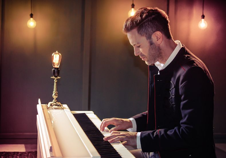 Galardonado. Axel es el primer artista pop en ganar el Premio Gardel de Oro.