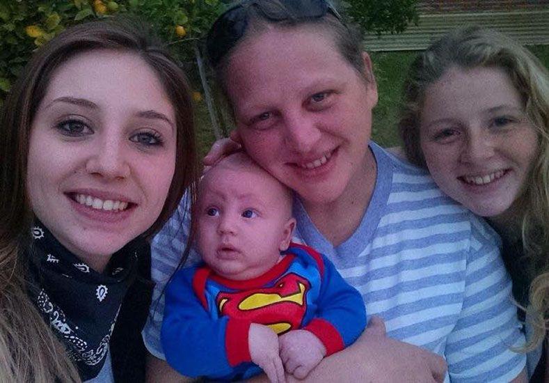 Festejar cada día de vida. El pequeño Dylan es hoy el mimado de la familia.