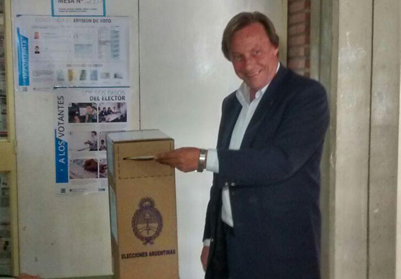 Minuto a Minuto: los candidatos emiten sus votos