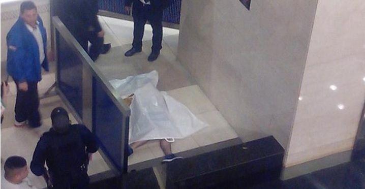 Un joven se arrojó desde el tercer piso del shopping del Abasto