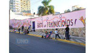 """Escribirán en el mural """"Memoria Colectiva"""" los nombres de las víctimas de feminicidios ocurridos en 2015.  Foto UNO/Archivo"""