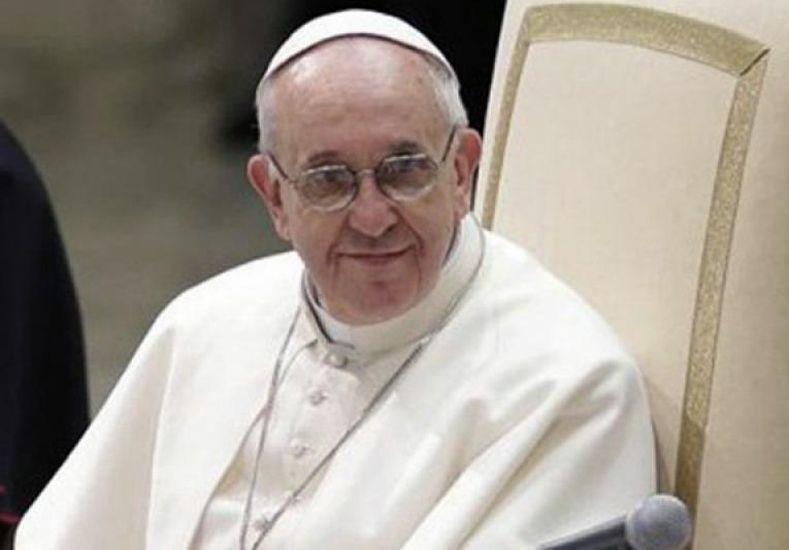 El Vaticano desmiente los rumores sobre un supuesto tumor benigno del Papa