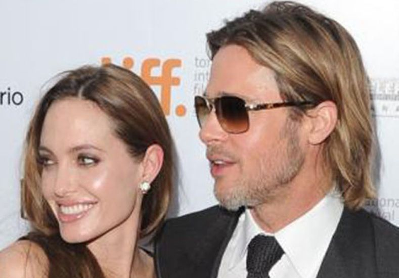 Angelina Jolie está celosa de Brad Pitt y Sienna Miller
