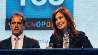 Cristina y Scioli participan de una reunión con gobernadores petroleros