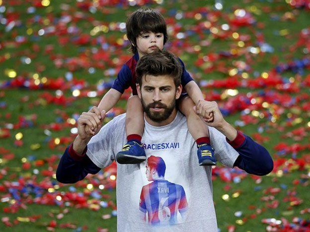 El hijo de Piqué posó con la camiseta de un equipo argentino