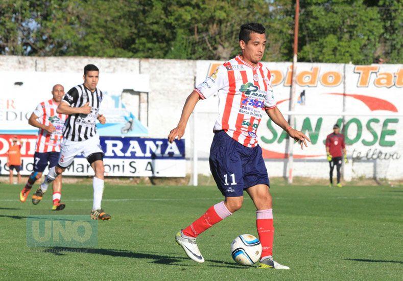 Rodrigo Gutiérrez anotó el sábado su tercer tanto con la camiseta de Atlético Paraná.  Foto UNO/Diego Arias